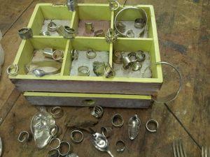 Modeschmuck aus Silberbesteck
